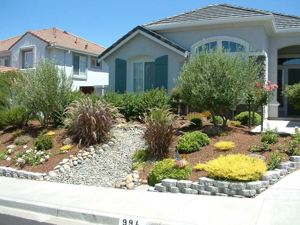 Landscaping front yard landscaping ideas dry for Landscape my front yard